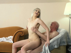 young-blonde-hardcore-blowjob-and-deep-tight-pussy-sex