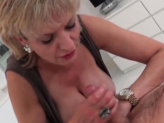 Unfaithful uk mature lady sonia reveals her enormous 44wEa