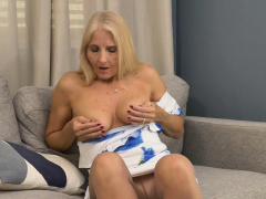 florida-gilf-chery-leigh-needs-to-rub-her-pantyhosed-pussy