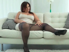 curvy-milf-montse-swinger-from-spain-sits-on-dildo