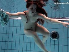 salaka-ribkina-beautiful-body-in-the-swimming-pool