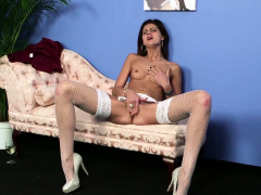 Cute euro gives bj and gets jizzed on face