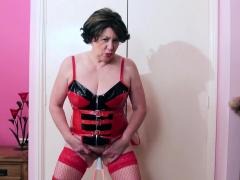 europemature-horny-masturbation-with-lava-lamp