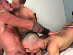 bears-screwing-gay-ass-in-nasty-foursome