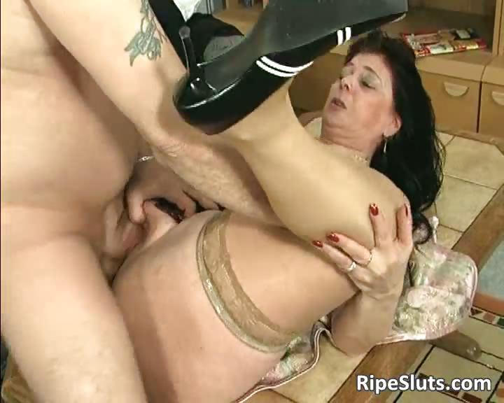 Redhead Milf Big Tits Big Ass
