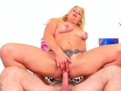 older-slut-taylor-leigh-takes-stiff-dick