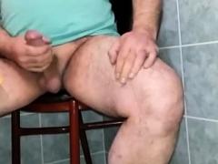 turkish-daddy-bear-humping-chair-cumshot