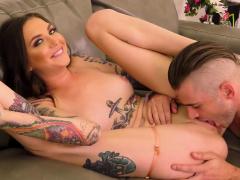 Tattooed Brunette Babe Sloppy Sucking Before Live Hardcore