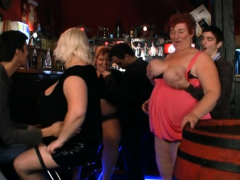 chubby-party-girls-getting-naked-in-the-bbw-bar