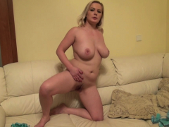 busty-amateur-plays-around-with-her-snatch