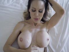 Mackenzie begs for Wrex hot sticky cum