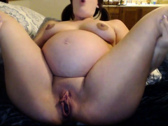 seriously-spread-pregnant-pussy