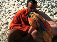 hidden-cam-in-beach-cabin-camschat69