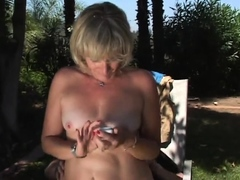wifey-gets-nailed-in-the-back-yard