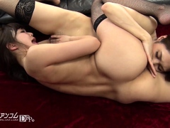 lesbian-anal-babe-toying-stretched-ass-and-fingering-pussy