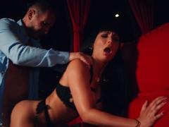 mariskax-stripper-valentina-ricci-fucks-the-club-owner