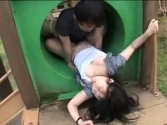japanese-teen-night-outdoor-pussyfingering