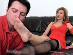 milf-bianca-and-foot-slave-bobby