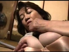 busty mature tugging on penis before facial cumshot Hot