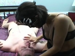 Mouthwatering girlie does a perfect blowjob
