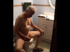 jacking-off-on-the-toilet