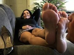 hot-brunette-foot-fetish-play