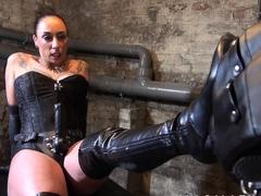 mistress-jenna-joy-fucks-her-male-slave