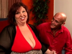 In this video, you'll be watching a pretty mature BBW fuck