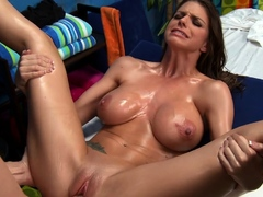 Filthy brunette beauty Brooklyn Chase amazed by big pipe