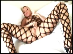 big-boobed-memphis-masturbates-in-a-bodystocking